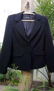 My michelle by kohl's basic black blazer size 2 on tag fits small excellent