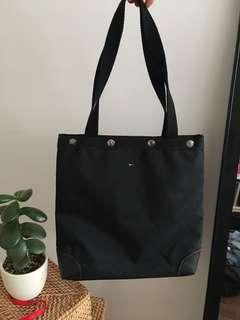 tommy hilfiger tote