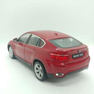 BMW X6 1:24 金屬模型車 有少量瑕疵