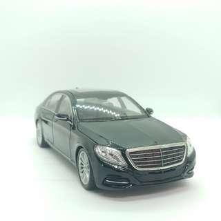 Mercedes-Benz 1:24 金屬模型車 有少量瑕疵