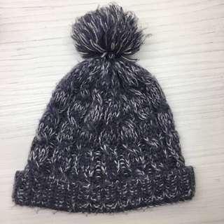 🚚 NET紫色球球毛帽帽子#半價衣服市集