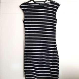 Dress Stripes Hitam Putih