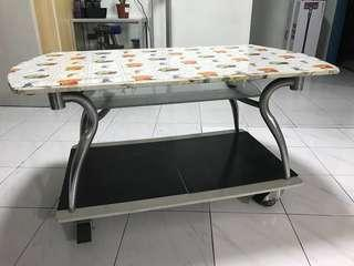 Glass coffee table movable