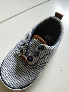 🚚 H&M shoe
