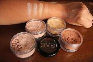 4 in 1 Make Over Shimmering Powder / Highligter