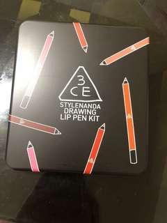 「回饋給大家,詳見說明」3CE Drawing Lip Pen Kit唇筆