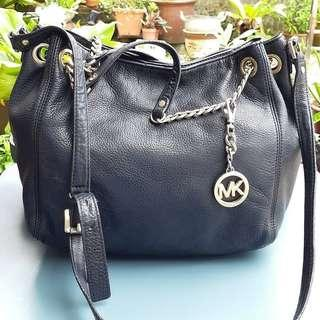 AUTHENTIC MICHAEL KORS GENUINE LEATHER SLING BAG