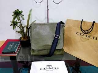 Coach Sullivan men's messenger/crossbody bag Authentic