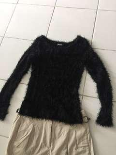 Long sleeve bouse with fur details