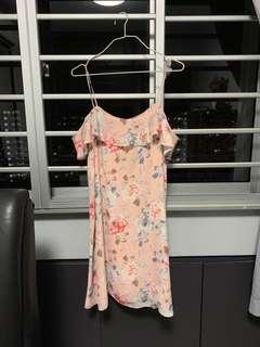 🚚 PENDING Miss selfridge midi off shoulder dress in floral