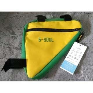~~~ Brand New TrianGuLaR BicyCLe Pouch . Bag for Top Tube $6 ~~~
