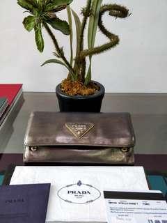 Prada Vittelo Shine wallet Authentic