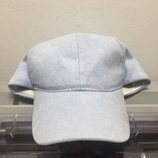 🚚 Plain blue cap