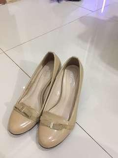 Heels cole heels 5cm masih mulusss