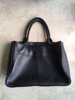 Tas kulit A4 size