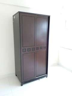 深色木衣櫃 Wardrobe