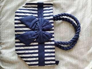 Naraya 藍色小袋子