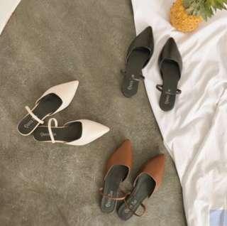 🚚 European style 2019 spring pointed toe white flats