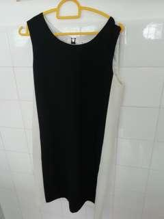 Tension ladies knee length black and white dress. Size S.