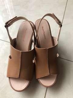 Hush puppies size 37. Sandal pesta sepatu pesta sandal heels sandal jalan jalan