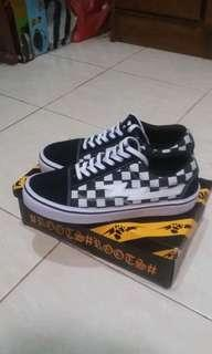 Word division checkerboard size 43