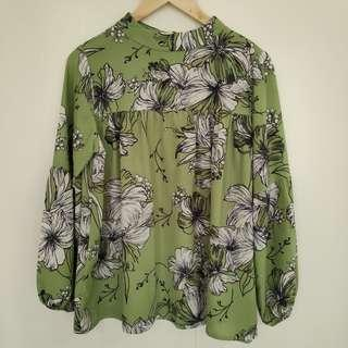 🚚 Green Floral Lantern Sleeve Empire Blouse