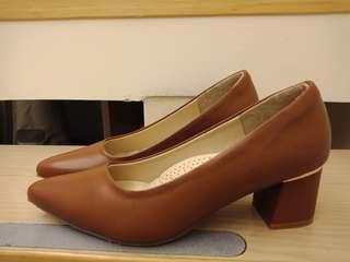 🚚 FM靜音跟鞋(只穿一次)