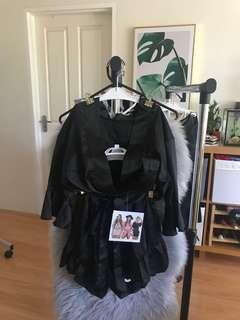 (Black) High-end low collar waist belt with lotus leaf short skirt pants sexy shorts skirt
