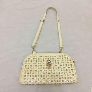 Satcherra Sling Bag
