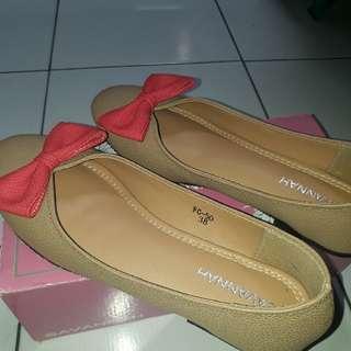Flat Shoes Savannah Size 38