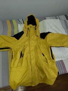 🚚 Mountain Hardwear Jacket