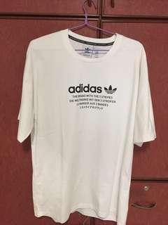 🚚 Adidas 3 stripes t-shirt