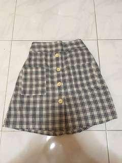 🚚 BN checkered button up skirt