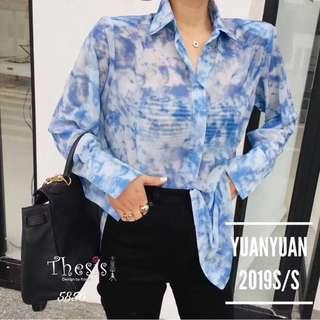 "🚚 🇰🇷NEW ARRIVAL🇰🇷 Chiffon shirt is very soft. Fabric is very good. Behind the back of the show There is an extra shoulder for the body to wear. This hot weather Super cool Beautiful with value 2 blue, yellow Freesize ... 42 "" Long 22 """