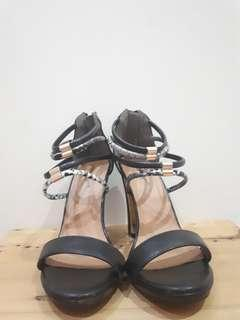 Mecer heels