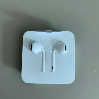 🚚 Apple Authentic Lightning Earpods