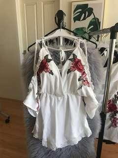 (White) Sexy deep V-neck embroidered raglan strapless wooden ear fashion casual wide-leg jumpsuit short skirt