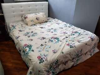 [Reserved] Queen Size Bed