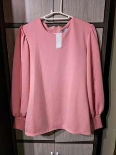 BNWT bell sleeves top #dressforsuccess30