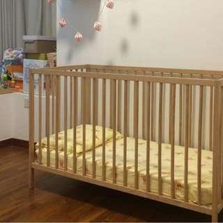 Baby Cot W. 2 Breathable