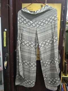 Celana Bali Pattern
