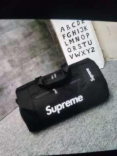 🚚 Supreme gym bag