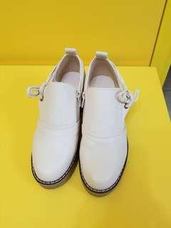 2019年,時款鞋(size:34)