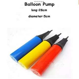 🚚 Handheld balloon pump. Red or Blue