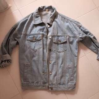 🚚 Light Denim Jacket