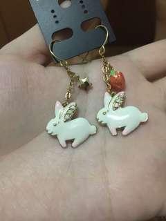 Anting Kelinci Earrings