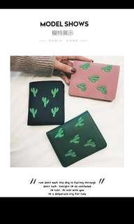🚚 Black Cactus Small Wallet