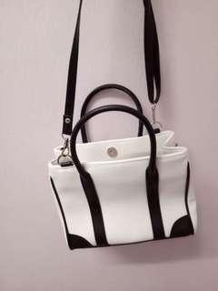 Riya sling bag
