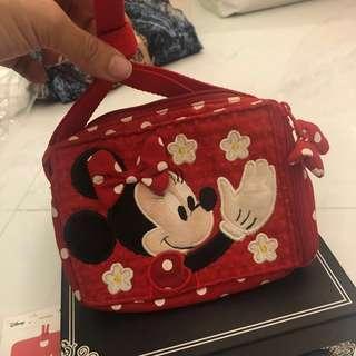 Minnie mini sling bag