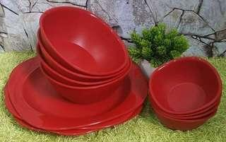 Tupperware plates and bowls
